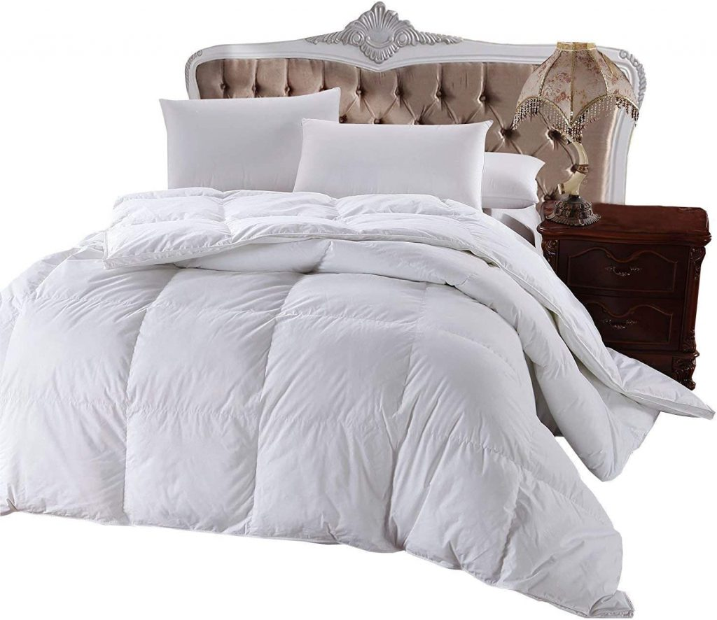 Royal Hotel's 300 Thread Down Alternative Comforter